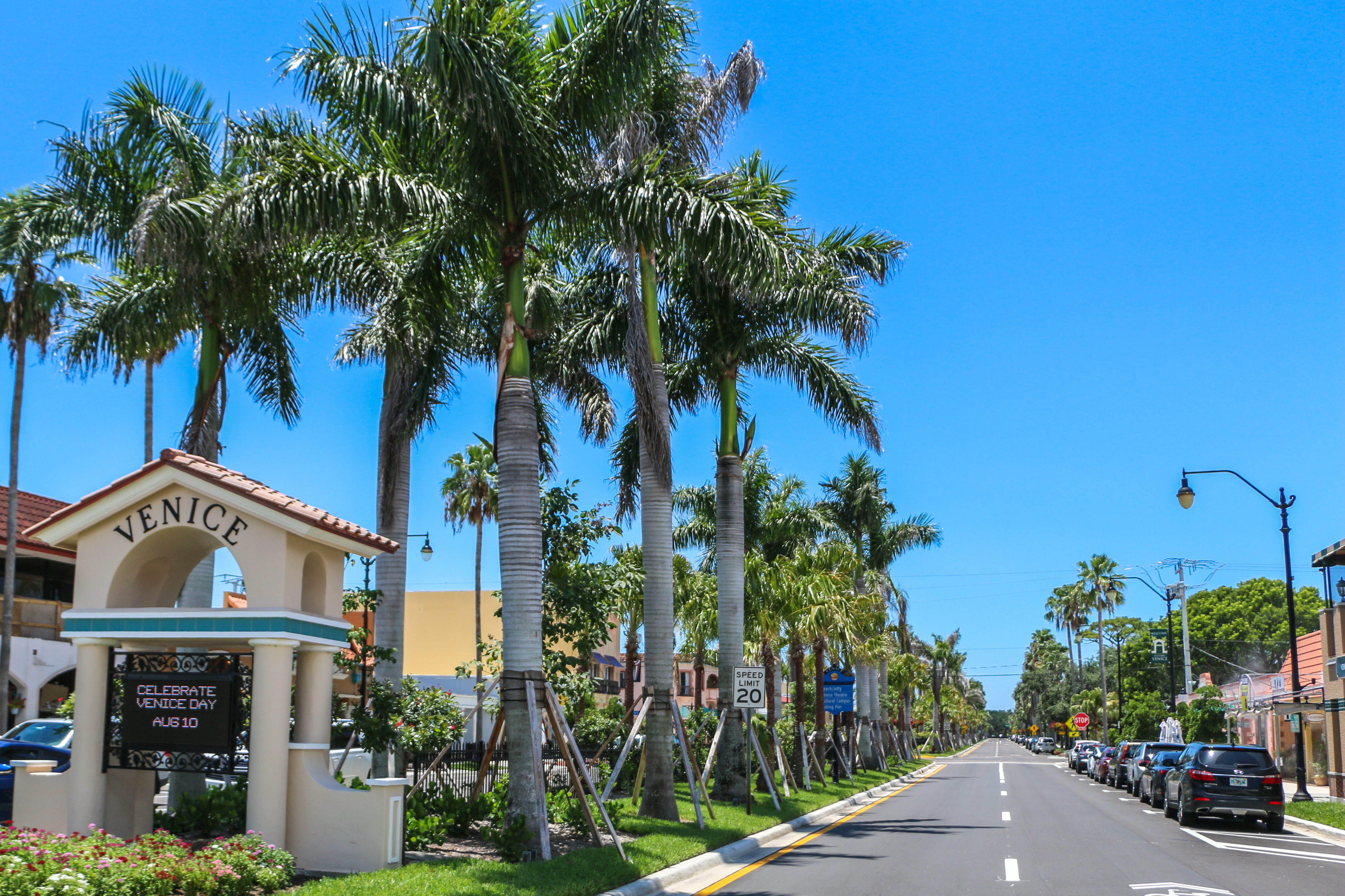 street view of downtown venice florida