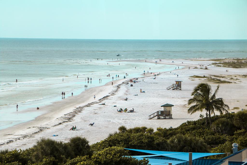 Drift at Lido Beach Resort