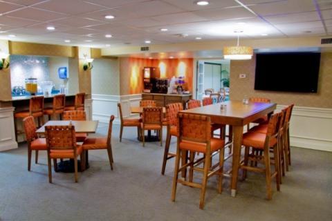 963_720x480.jpg - Best Western Plus-Breakfast Room/Coffee Bar