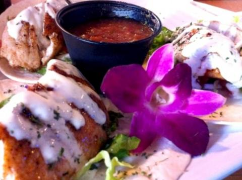 388_644x480.jpg - Keith's Seafood Tacos is one of the most popular items on the menu.  Choose from Grouper, Mahi, Shrimp or local Fresh catch!