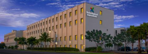 Venice Regional Bayfront Health - hospital building