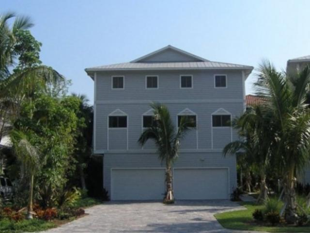 829_700x480.jpg - Beachwalk: Two 3-bedroom upscale townhomes with private elevators, heated pool, beach-view, at Siesta Key Beach