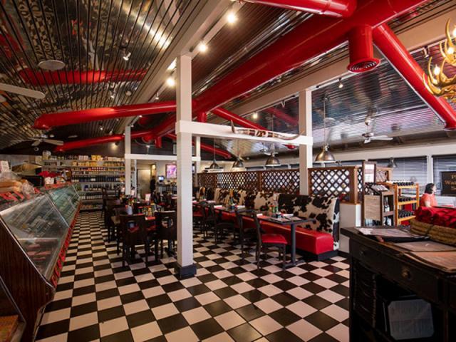 Alpine Steakhouse - Restaurant Image 3