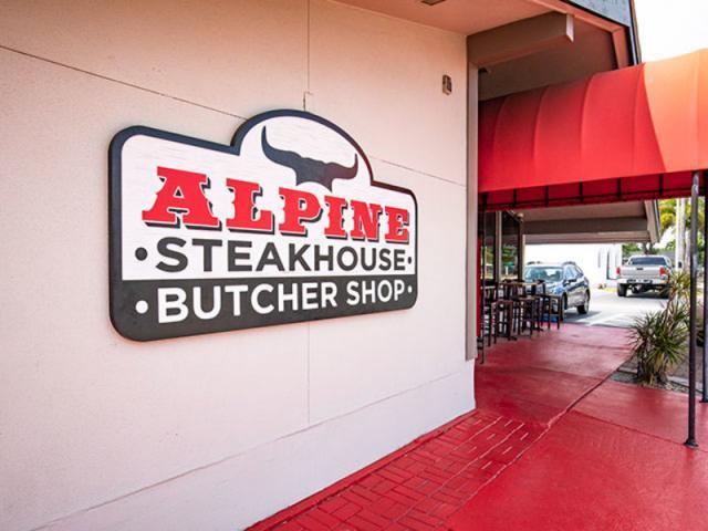 Alpine Steakhouse - Restaurant Image 2