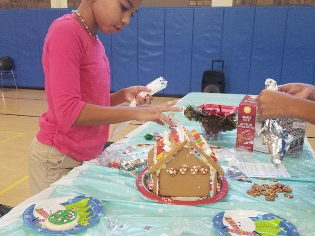Arlington Park Gingerbread House Making