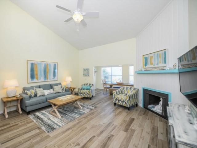 Living the Dream Starfish - Living the Dream is one of our beautiful properties that we manage, right across the street from Siesta Key Beach.