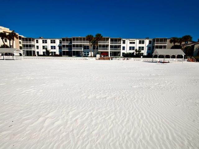 Beachfront Apartments at Casa Blanca