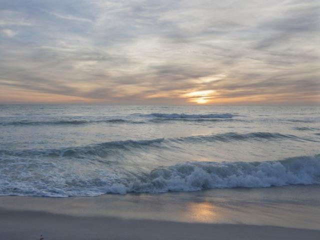 Book your summer vacation now! - Longboat Key .. sunset on the beach!