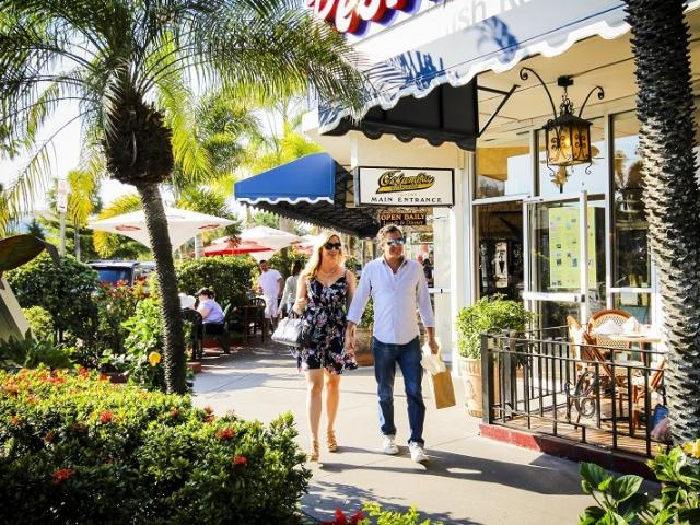 Boutiques & Bubbles - Visit three boutiques, enjoy champagne and treats and take a tour of our favorite shopping neighborhoods on our 90 minute Boutiques & Bubbles Trolley Tour!