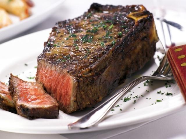 530_640x480.jpg - Aged prime steak is Fleming's specialty
