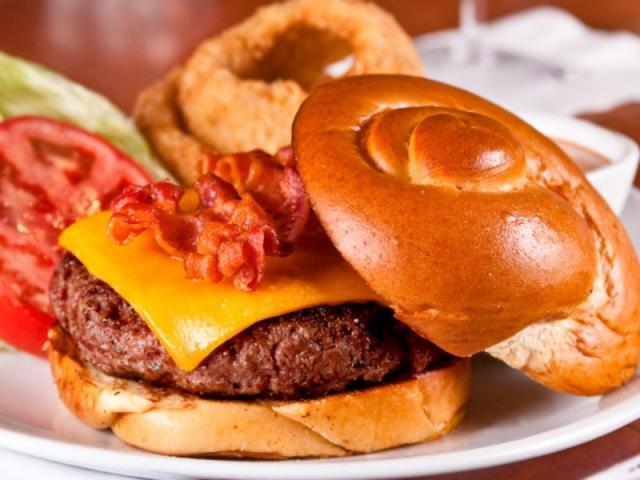 20_640x480.jpg - Fleming's new Prime Sirloin Burger