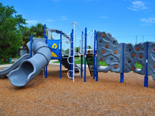 Ken Thompson Park - Playground is close to picnic areas, water fountain and restrooms.