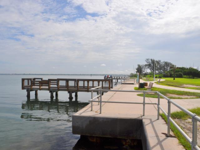 Ken Thompson Park - On the northwest side of the park is the fishing pier.