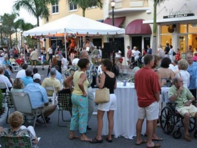 269_640x480.jpg - Events such as art festivals and concerts are frequent at Main Street at Lakewood Ranch.