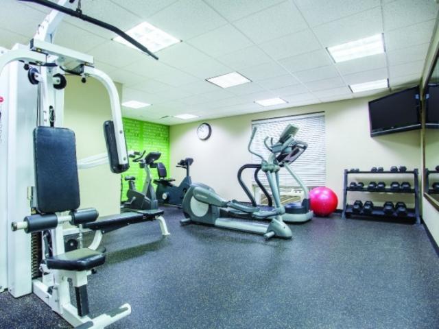 7641_720x480.jpg - Fitness Center