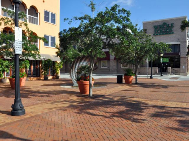Lemon Avenue Mall