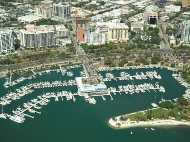 1120_672x480.jpg - Marina Jack Restaurant & Marina Jack II Sightseeing Cruises
