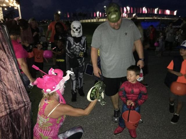 NBP Trick Or Treat On The Lake