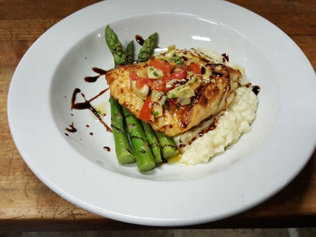 Off The Hook Seafood Restaurant - Savor Listing Image 1 - 06.03.19