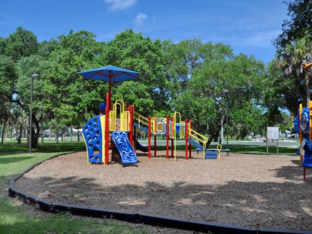 Orange Avenue Park Playground - Spend the day at this wonderful park!