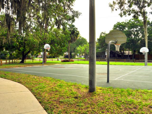 Pioneer Park Basketball Courts - Join us for a game of basketball!