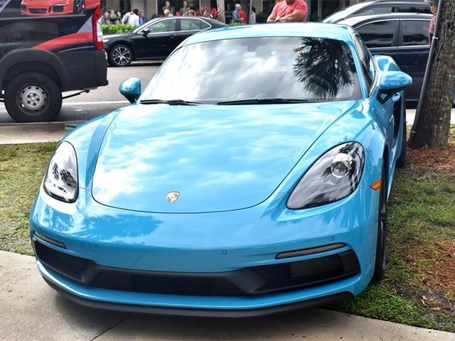 Porsches in the Park