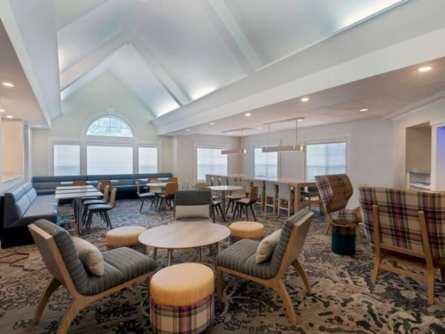 Gatehouse - Enjoy even more community and comfy seating in our Gatehouse area.