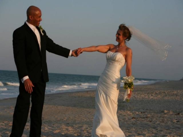 7326_640x480.jpg - Beach Wedding Specialist