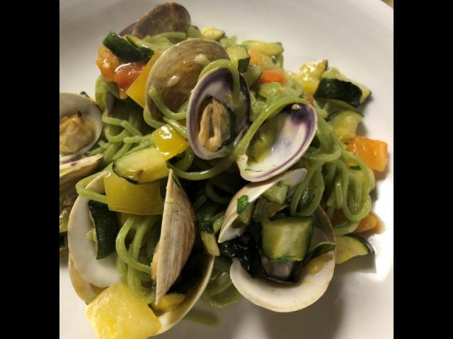 Clams with linguini