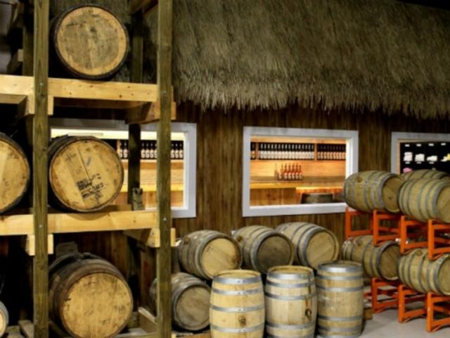 559_693x480.jpg - Siesta Key Rum Tasting Room