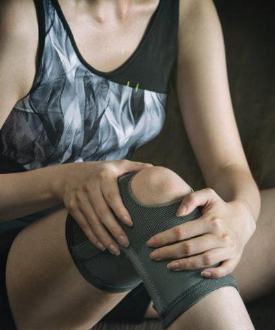 Knee pain - Knee pain affects most people that are active. We specialize in finding the cause and help you prevent the injury getting worse.