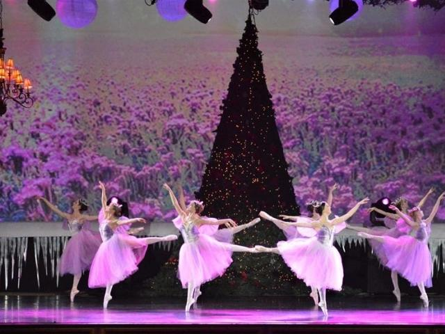 Russian Ballet and School of Russian Ballet present The Nutcracker at Sarasota Opera House on Dec 15 2019