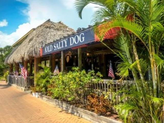 5023 Ocean Blvd Siesta Key - Old Salty Dog in Siesta Key Village