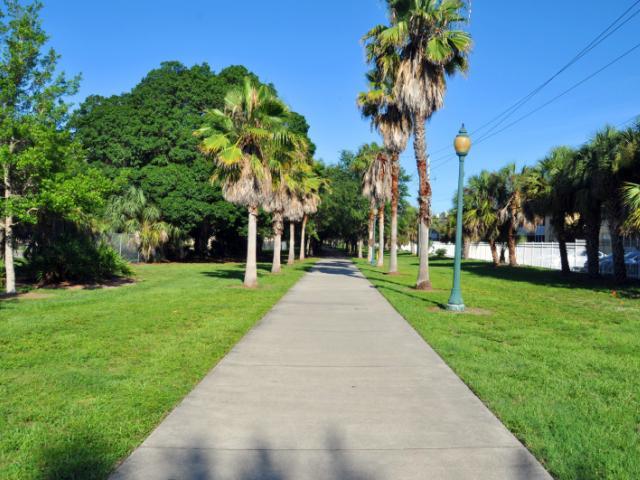 Tuttle Walkway Park