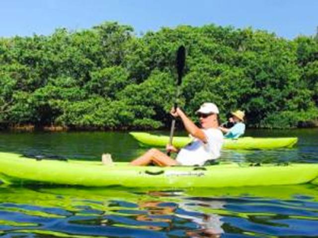 Easy Paddle - Cruising to the Marine Preserve!