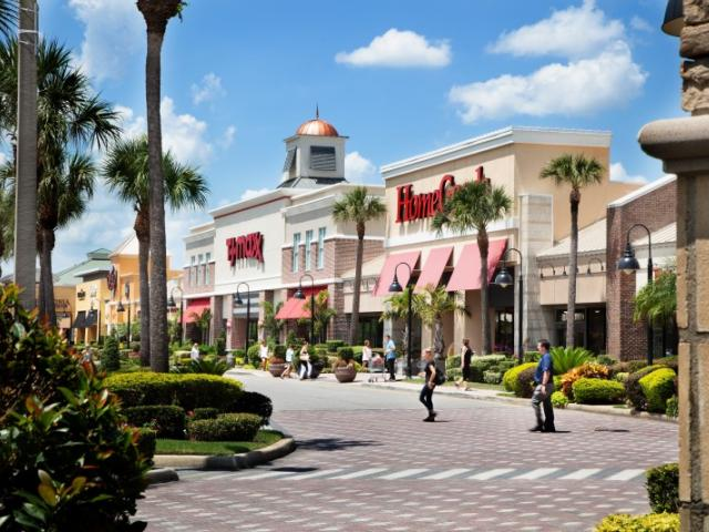 The Shoppes at UTC - Stroll the Shoppes at UTC to discover 70 shops and restaurants, including Nordstrom Rack, T.J. Maxx, Marshalls, HomeGoods, PGA Tour Superstore, Bonefish Grill, Fresh Kitchen, Maple Street Biscuit Company and more.