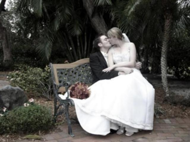 497_640x480.jpg - Gardens are lovely for celebrations - or your own backyard - we can make it magical!