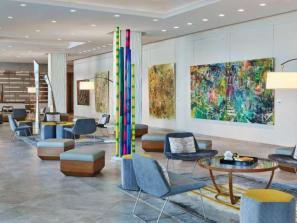 Art-Ovation-Lobby