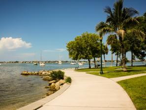 walking path at bayfront park in sarasota, florida