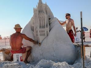 Siesta Key Crystal Classic Sand-sculpting Competition
