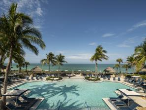ritz carlton beach club pool