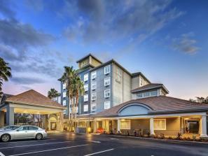 25% Off Hotel Rooms