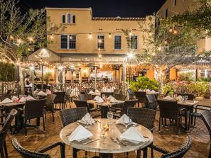 Outdoor dining at Salute! Restaurant