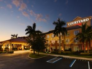 CourtyardbyMarriottSarasotaUniversityParkLakewoodRanchArea.jpg - Award winning Courtyard by Marriott Sarasota University Park Lakewood Ranch. Easy access from I-75 and tucked in among many restaurants and shops.