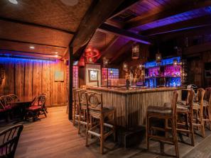 Bahi Hut Cocktail Lounge