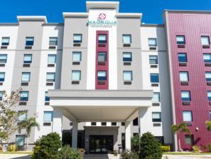 Magnolia Pointe Hotel - Magnolia Pointe Hotel