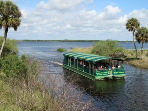 Myakka River Queen - Myakka River Queen entering basin