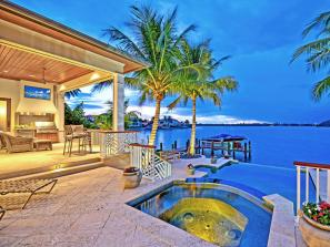 Bird Key Custom Home - Bird Key is a residential island popular for its excellent location between Downtown Sarasota and St. Armands Circle.