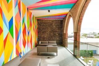 mural and outdoor patio at sarasota art museum