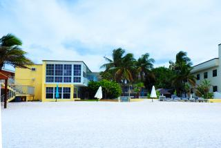beach view of hotel on longboat key in florida